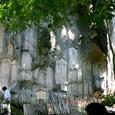 山寺の岸壁